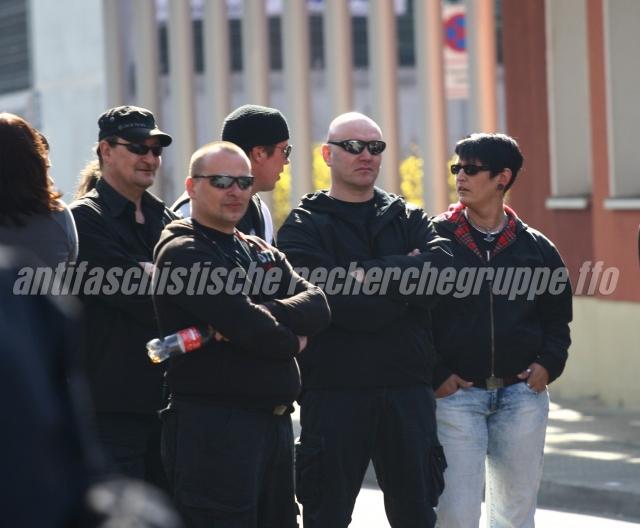 Lange nicht mehr gesehen: Am 24. März 2012 zeigten sich auf einer NPD-Demonstration in Frankfurt (Oder) Maro Müller (links m. Basecape und Sonnenbrille), Seven Lemke (mitte m. Sonnenbrille) und Kora Krupke (rechts).